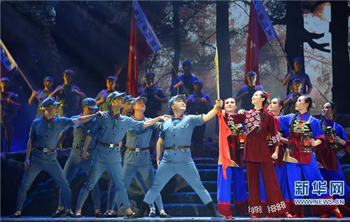 大型民族舞剧《马桑树下》现场剧照。