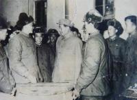 毛主席的战士最听党的话——专访毛主席警卫员易以禄(图)