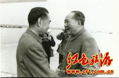 周总理和毛主席第一次的相见